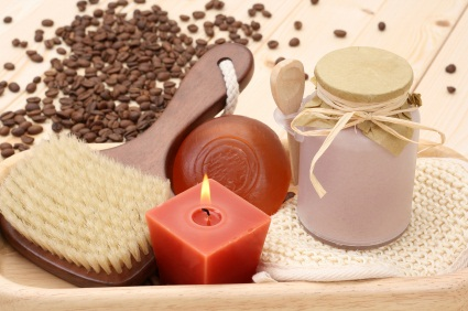caffeine massage against cellulite