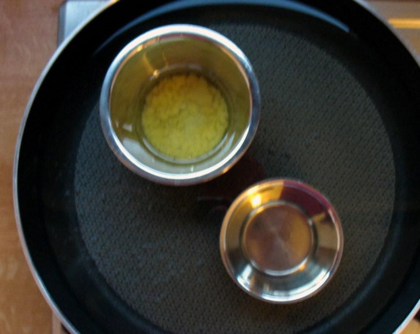 heat bowls in bain marie
