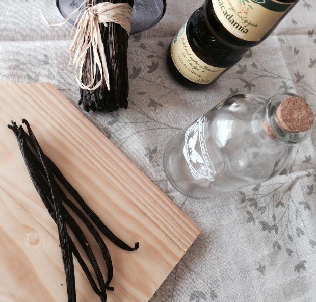 vanilla oily macerate for natural cosmetics