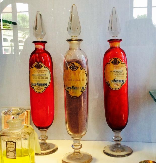 Antic cristal perfumes bottles photography
