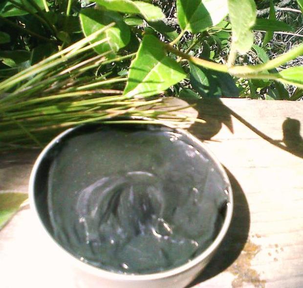 detox and purifying black shaving soap