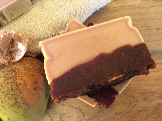 bicolore mango soap